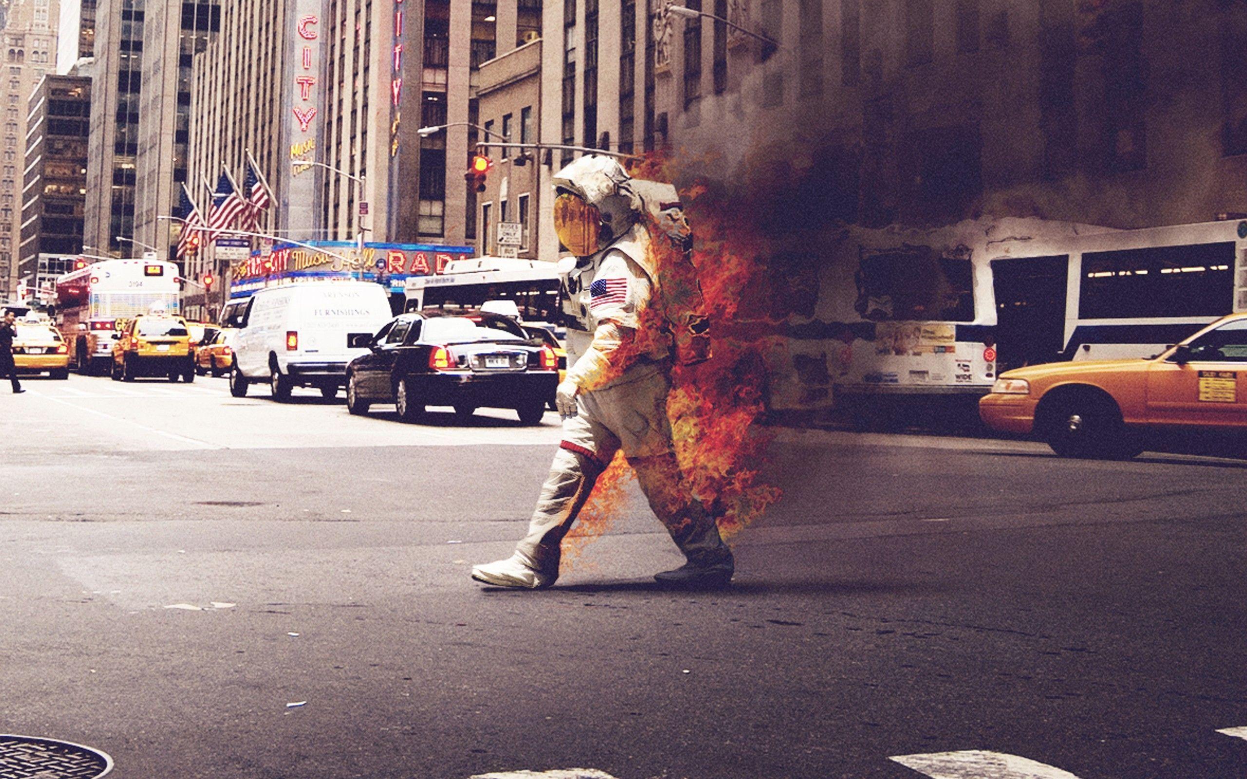 astronaut on fire - HD1920×1200